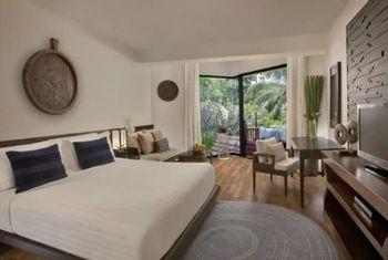 Anantara Bophut Koh Samui Resort bedroom