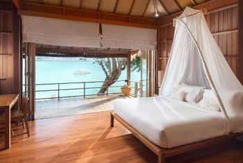 Haadtien Beach Resort bedroom