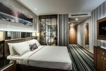 The Continent Hotel Bangkok by Compass Hospitality Bedroom