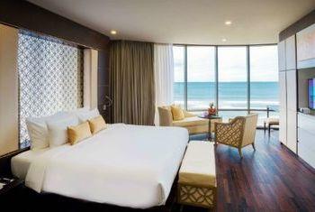 Holiday Beach Danang Hotel & Resort Bedroom 2