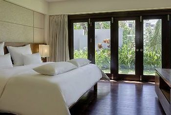 Pullman Danang Beach Resort Bedroom