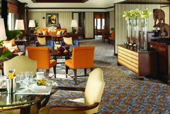 Anantara Siam Bangkok Hotel Restaurant