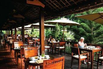 Palm Garden Resort restaurant