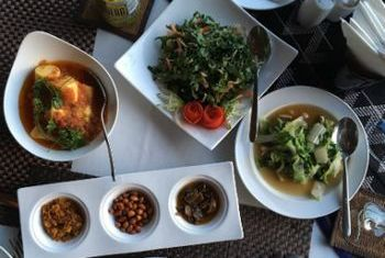 Aureum Palace Resort & Spa Inle food 2