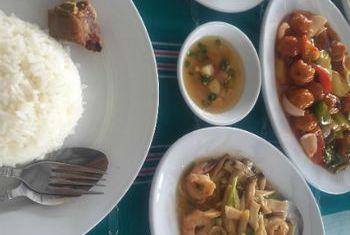 Hotel Zwe Ka Bin dinner