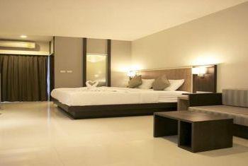 Grand Camellia Hotel bedroom