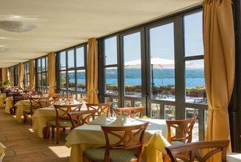 Grand Camellia Hotel restaurant