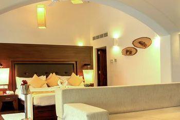 Grand Udawalawe Safari Resort room
