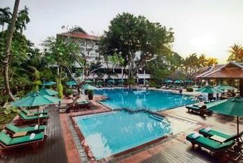 Anantara Siam Bangkok Hotel pool