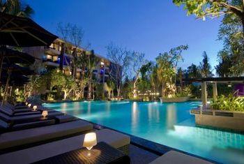 Avista Resort and Spa Phuket pool