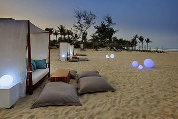 Pullman Danang Beach Resort sunbed