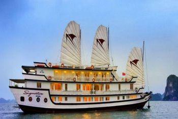Signature Ha Long Cruise view 1