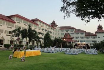 Mawlamyaing Strand Hotel Overview