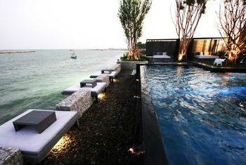 Cher Resort Hua Hin pool