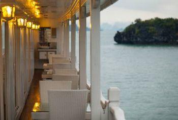 Signature Ha Long Cruise view 2