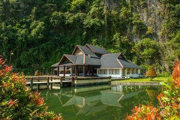 Hotel Zwe Ka Bin pool