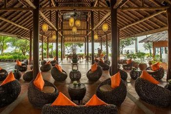 Phi Phi Island Village Beach Resort main hall