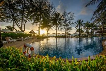 Katathani Phuket Beach Resort pool