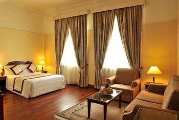 Du Parc Hotel Da Lat bedroom 1