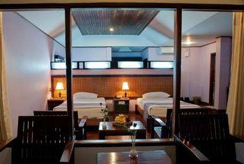 Hotel Zwe Ka Bin bedroom