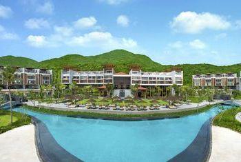 Angsana Lang Co pool