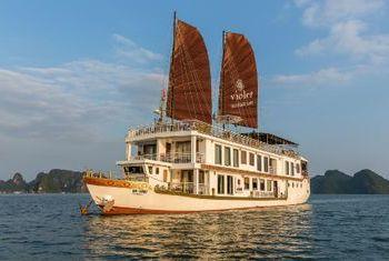 Violet Cruise boat