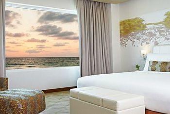 Ozo Colombo Bedroom