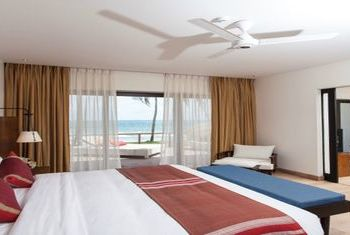 Reefs Edge Hotel Room
