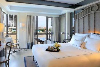 Riva Surya Bangkok Room