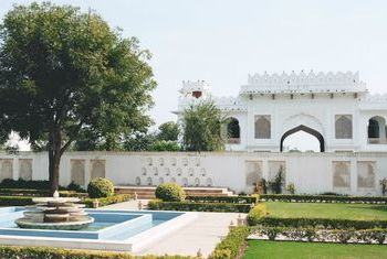 Talabgaon Castle - India Overview