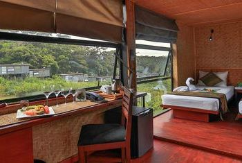 The Rainforest Ecolodge Room