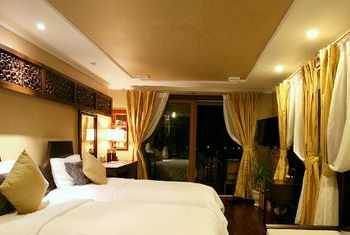 Violet Cruise bedroom 2