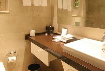 WelcomHotel Dwarka bathroom