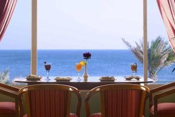 Resort Sur Beach Holiday Resstaurant