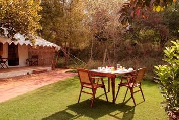 Svasara Jungle Lodge Eating Outdoor