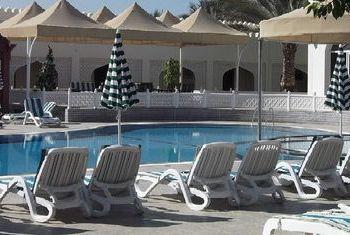 Falaj Daris Hotel pool