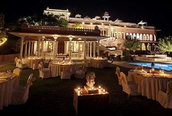 Hotel Fateh Garh Udaipur - A Heritage Renaissance Resort Dinning Out