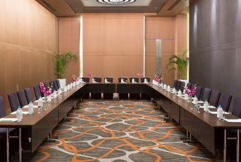 Holiday Inn New Delhi International Airport Facilities