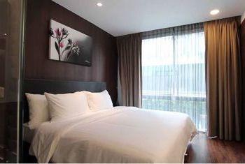 LiT Bangkok Hotel & Residence Bed
