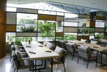 LiT Bangkok Hotel & Residence Restaurant