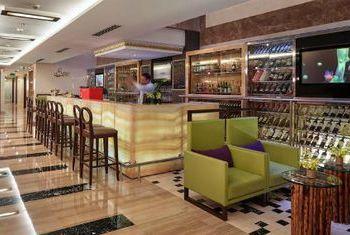 Silk Path Luxury Hanoi Bar