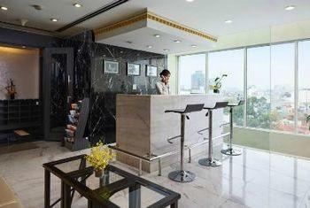 Silk Path Luxury Hanoi Reception