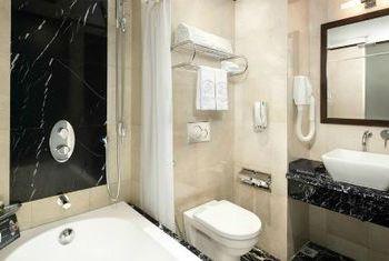 Silk Path Luxury Hanoi Bathroom