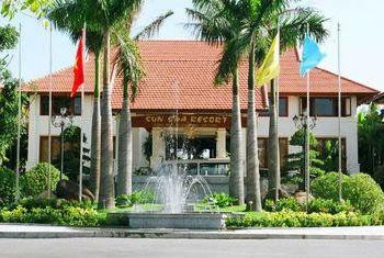 Sun Spa Resort Entrance