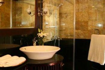 Jasmine Cruise Bathroom