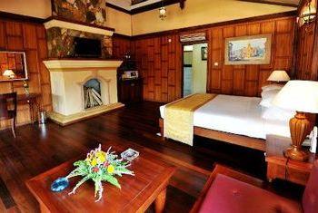 Hotel Pyin Oo Lwin bedroom
