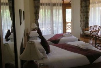 Loikaw Lodge Bed