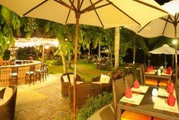 Vinh Hung Resort Outdoor Restaurant