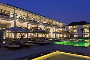 U Sathorn Bangkok Pool