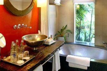 Maya Sanur Resort and Spa Bathroom